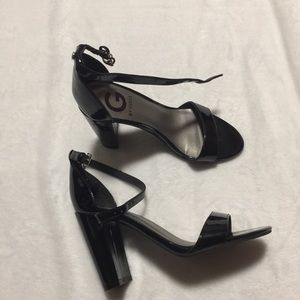 Guess black heels size 6M
